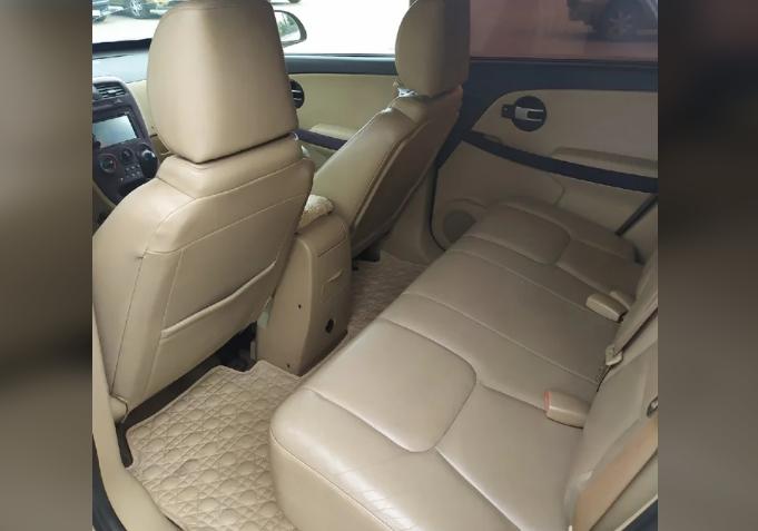 Chevrolet Equinox I кожаный салон