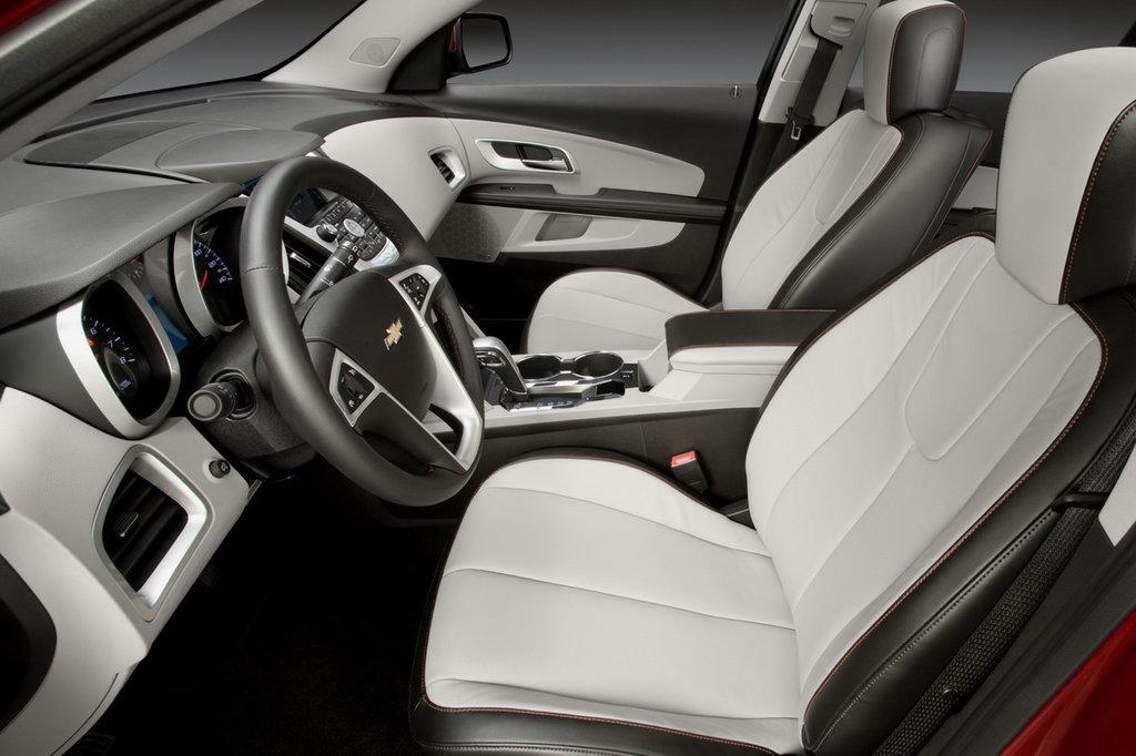 Chevrolet Equinox II салон